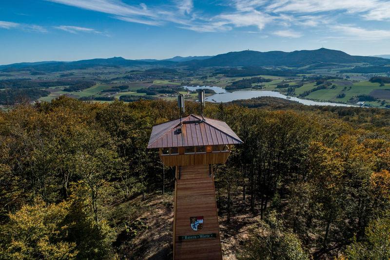 Traumhafter blick über die Bayernwarte in die Berge des Bayerischen Waldes