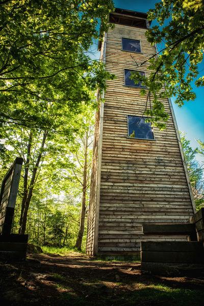 Vom Aussichtsturm am Klammerfels erlebt man einen imposanten Rundumblick
