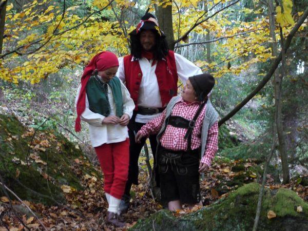 Szene aus dem Stück DER RÄUBER HOTZENPLOTZ mit der Waldbühne Furth im Wald