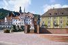 Nepomukplatz und Stadtbrücke in Gernsbach im Murgtal