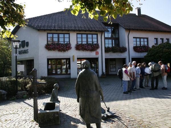 Landwirtschaftliche Ausstellung im Rathaus in Gomadingen