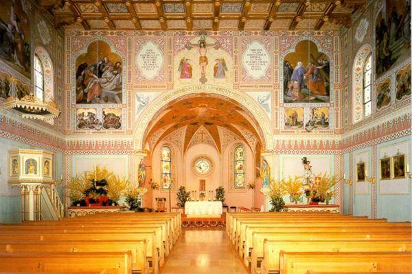 Innenansicht von St. Maximilian in Grabenstätt