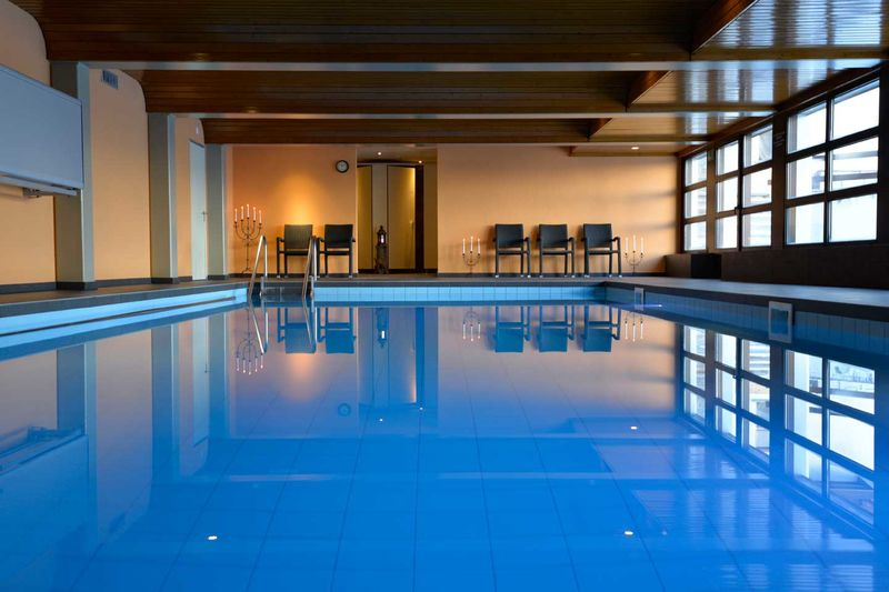 Indoor pool hotel hannigalp family for Hotel munster mit schwimmbad