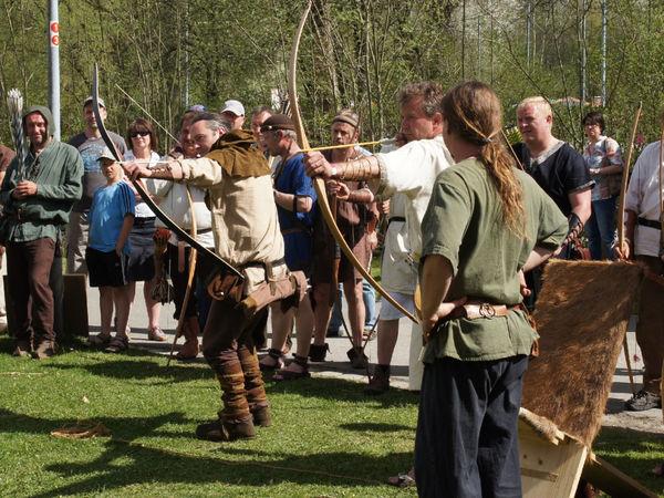 Mittelalterliches Bogenschiessen beim Bogenschop Binder in Neudorf bei Grafenau