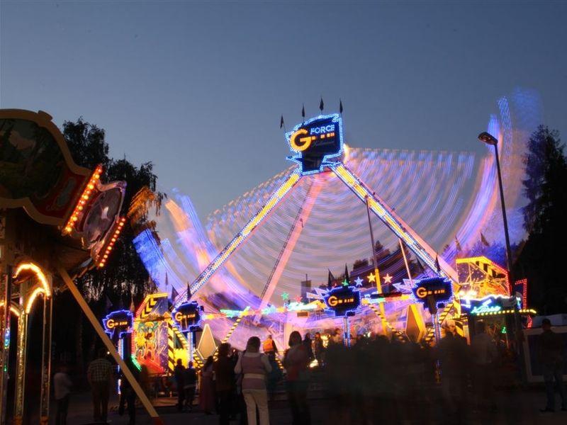 Spaß im Vergnügungspark bei der Grafenauer Volksfestnacht