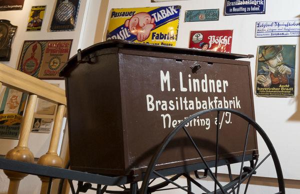 Ausstellungsstück im im Schnupftabakmuseum Grafenau
