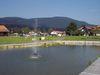 Blick vom Kurpark in Grafenwiesen zum Hohenbogen im Kötztinger Land