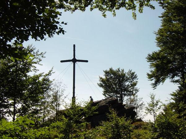 Gipfelkreuz am Dreitannenriegel bei Deggendorf