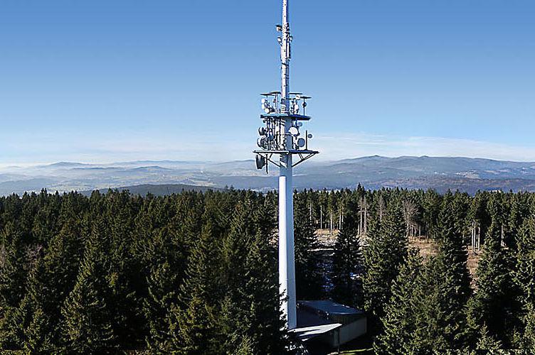 Der Sendeturm auf dem Haidel im Dreiländereck Bayerischer Wald
