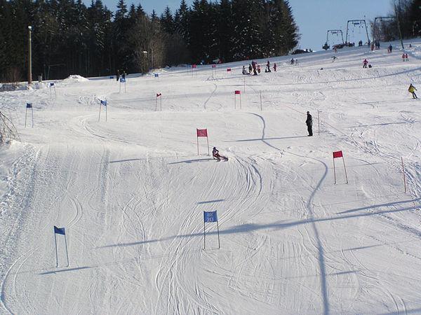 Skirennen am Skilift in Grainet im Dreiländereck Bayerischer Wald