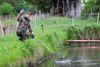 Forellenanlage, Fisch springt, Foto: Florian Läufer