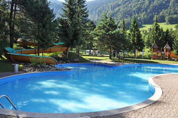 Ideales Schwimmbad gerade für Familien
