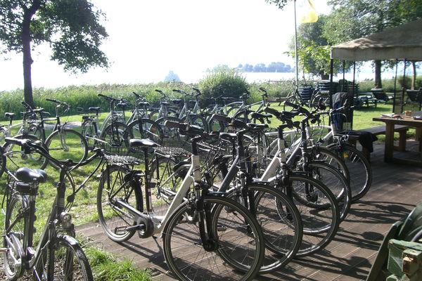 Fahrradverleih beim Chiemsee-Surfcenter Gstadt