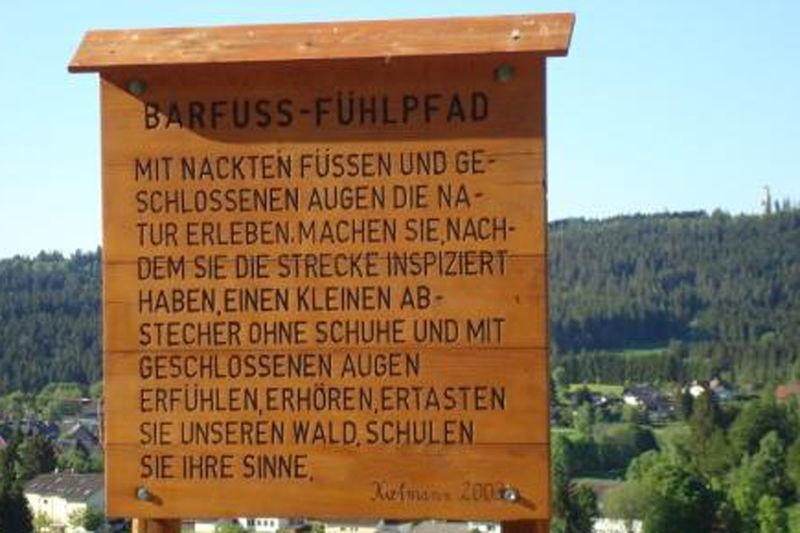 Barfuss-Fühlpfad im Luftkurort Häusern