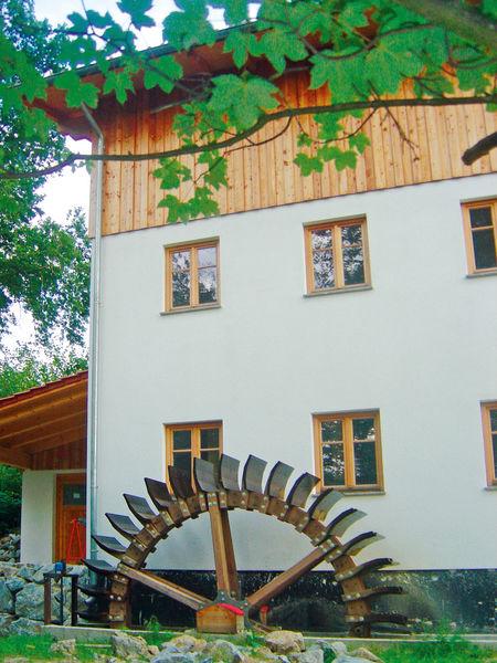 Mühlenmuseum in Haibach mit Wasserrad