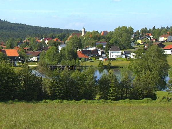 Die Erholungsorte Haidmühle - Bischofsreut - Frauenberg, auf einer Höhenlage zwischen 830 m und 1100 m direkt an der Grenze im Dreiländereck Bayern - Böhmen - Österreich gelegen, ist eine der jüngsten Siedlungen.