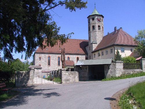 Blick auf die katholische Pfarrkirche ST. MAXIMILIAN in Haidmühle