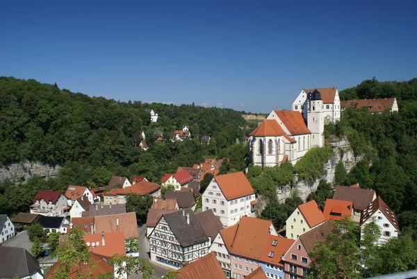 Blick auf die Haigerlocher Unterstadt und die Schlosskirche