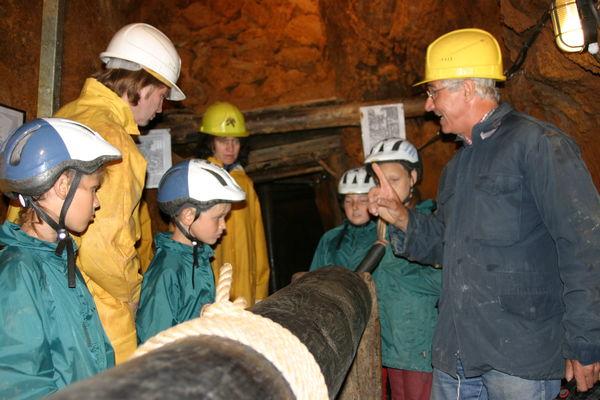 Erläuterung der historischen Haspel im Bergwerk