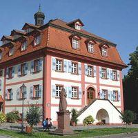 Das Heimatmuseum befindet sich im Herrenhaus ein Barockhaus aus dem Jahr 1760