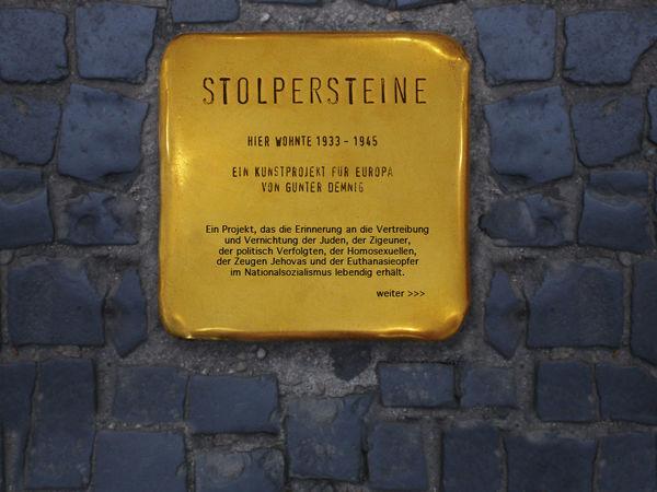 Die Stolpersteine in Hausach gedenken der Opfer des Nationalsozialismus
