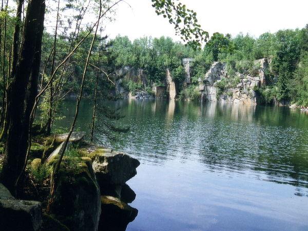 Das Naturdenkmal Steinbruch bei Büchlberg im Granitland Bayerischer Wald