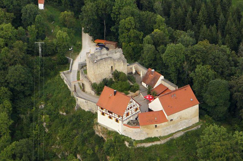Burg Derneck in Hayingen - Bild 4