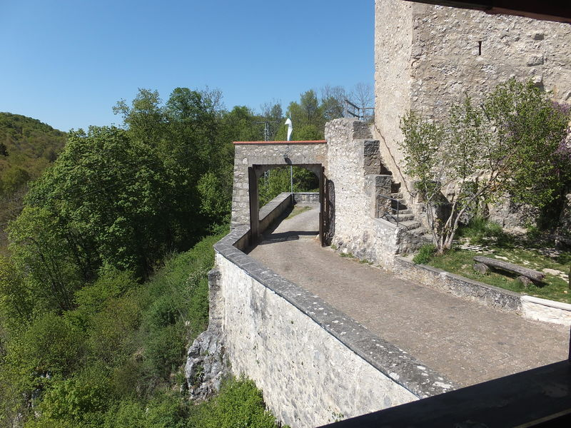 Burg Derneck in Hayingen - Bild 3