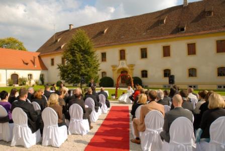 Schloss Ehrenfels in Hayingen - Bild 2