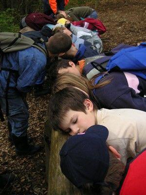 Kinder auf dem Wald-Erlebnis-Pfad, Indelhausen