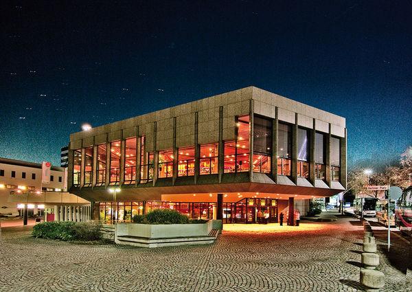 Theater Heilbronn bei Nacht