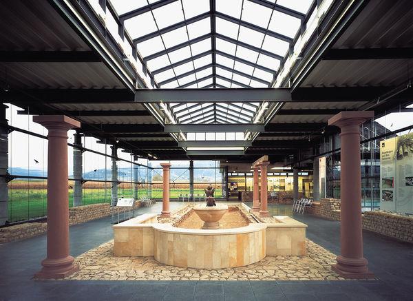 Römermuseum m. Wasserbecken
