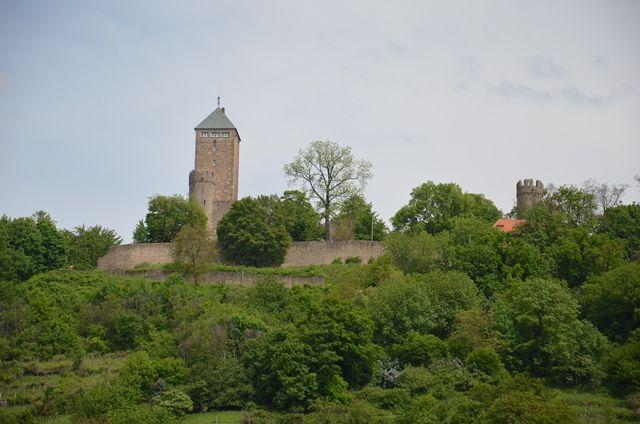 Die Starkenburg vom Fuße des Schlossberges aus