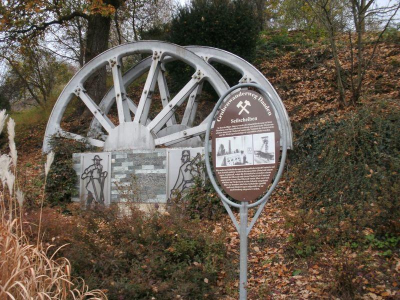 Baalt- und Erzweg - Ortsmitte Biersdorf (Foto: Gisbert Weber)