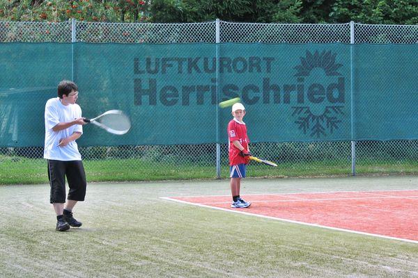 Tennis spielen im Freizeitzentrum Herrischried