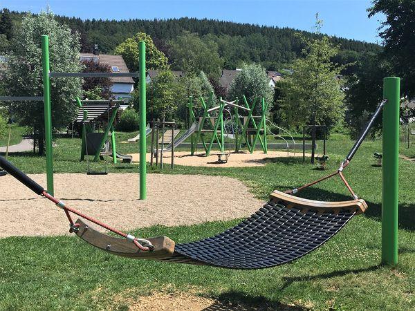 Die Dorfwiesen in Herscheid laden zum Spielen und Entspannen ein