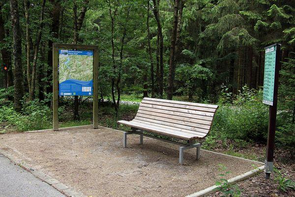 Rastplatz am Wanderparkplatz Piener Kopf