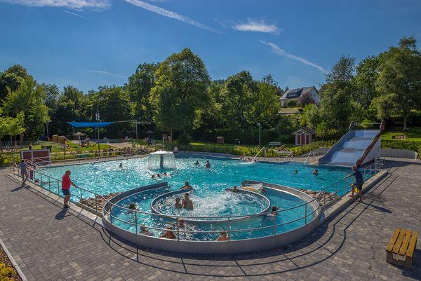 Das beliebte Nichtschwimmer-Becken im Freibad Herscheid
