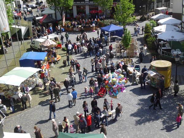 Blick auf den Marktplatz beim Frühlingsfest