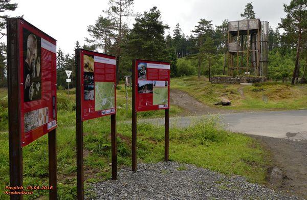 Mit dem Bau des neuen Aussichtsturms am Altenberg im Juni 2016 wurden auch die Informationstafeln zur mittelalterlichen Bergbausiedlung erneuert