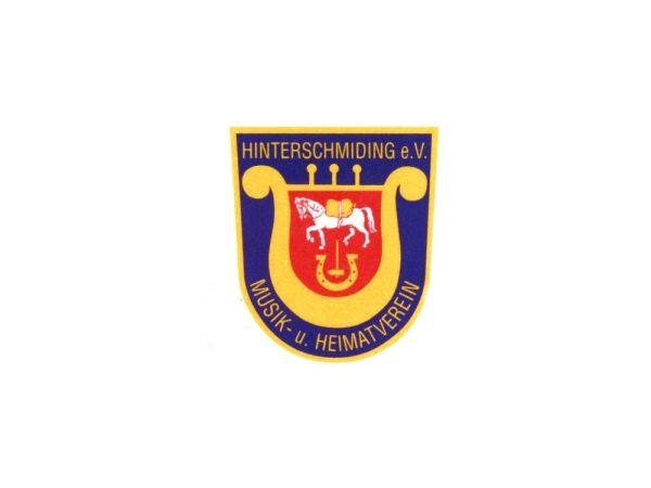 Die Fahne des Musik- und Heimatvereins Hinterschmiding