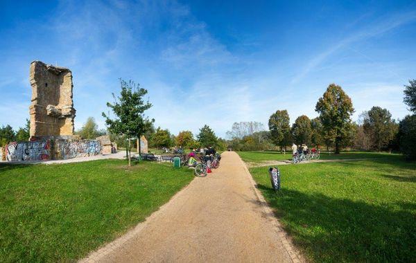 Kletterfelsen im Eichepark in Altlandsberg, Foto: Tourismusverband Seenland Oder-Spree e.V.