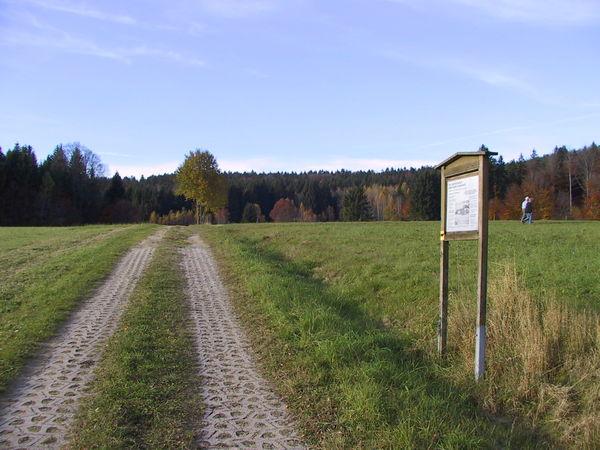 Infotafeln am landwirtschaftlichen Lehrpfad in Schönbrunn am Lusen