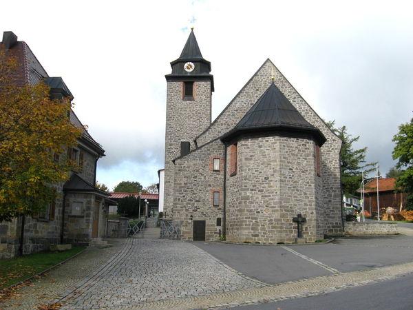 Blick auf die Pfarrkirche in Schönbrunn a. Lusen in der Gemeinde Hohenau