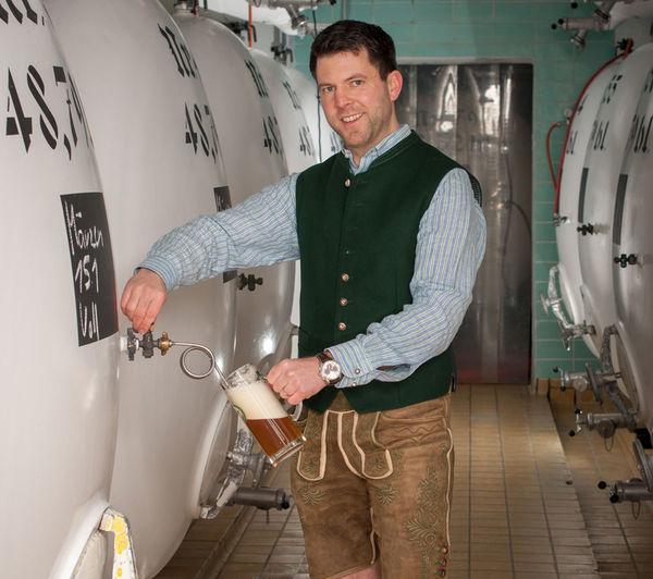 Frisch gebrautes Bier aus dem Johannes Keller