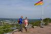 Aussichtsplattform auf der Ruine Hohenburg in Homburg mit Blick ins Landstuhler Bruch