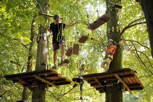 Kletterer im Fun Forest Abenteuerpark Homburg