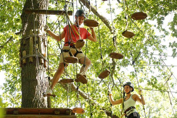 Kletterer im Fun Forest Homburg