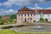 Blick vom Barockgarten auf das Edelhaus mit Museum