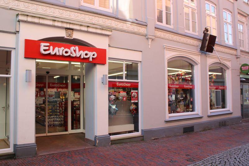 Außenansicht des EuroShops in der Krämerstraße